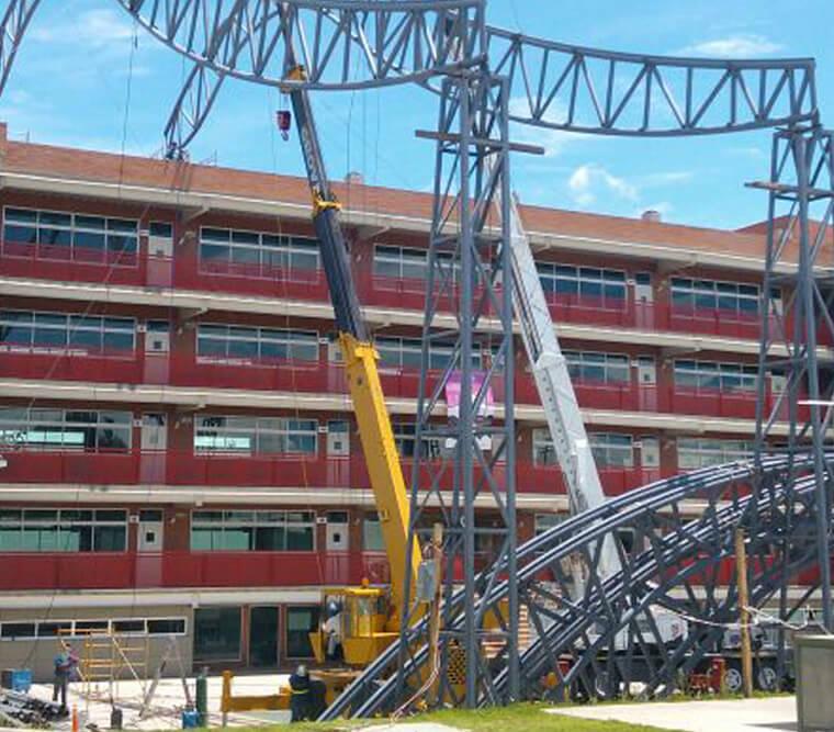 Cubierta con Estructura Metálica y Membrana para el Patio Central de la Escuela Preparatoria Simón Bolívar en Toluca, Estado de México